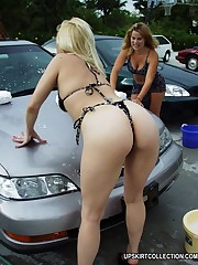 Enjoy sexy cutie in bikini bending over the car