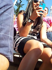 Vicious teens in the upskirt showing