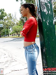 Tight spandex jeans on bentover gals
