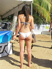 Bikini and beach upskirt voyeur picture