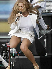 Super trimming Beyonce Knowles upskirt photo
