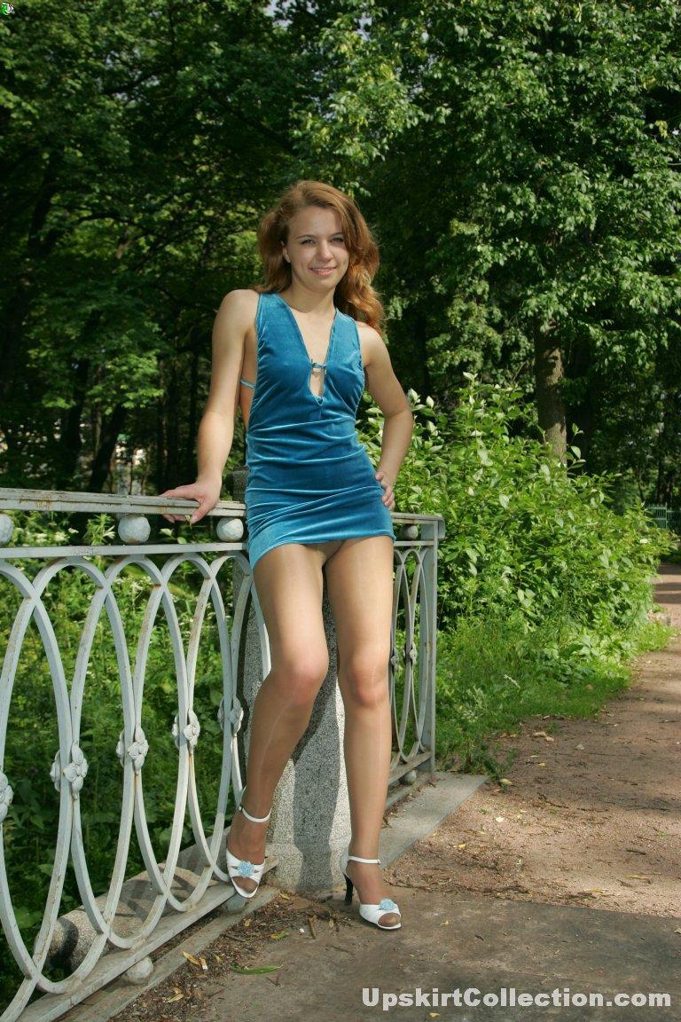 looking up short dresses pantiless