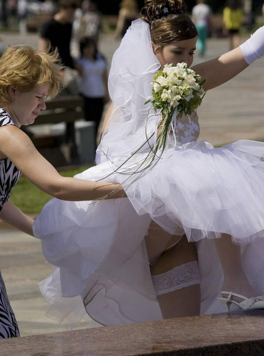 Смотреть бесплатно невесты на свадьбах без трусов 15 фотография