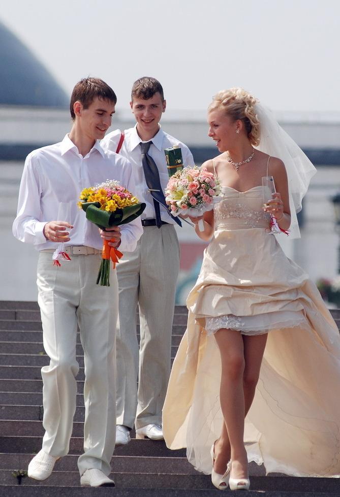 Раздетые невесты фото 5 фотография