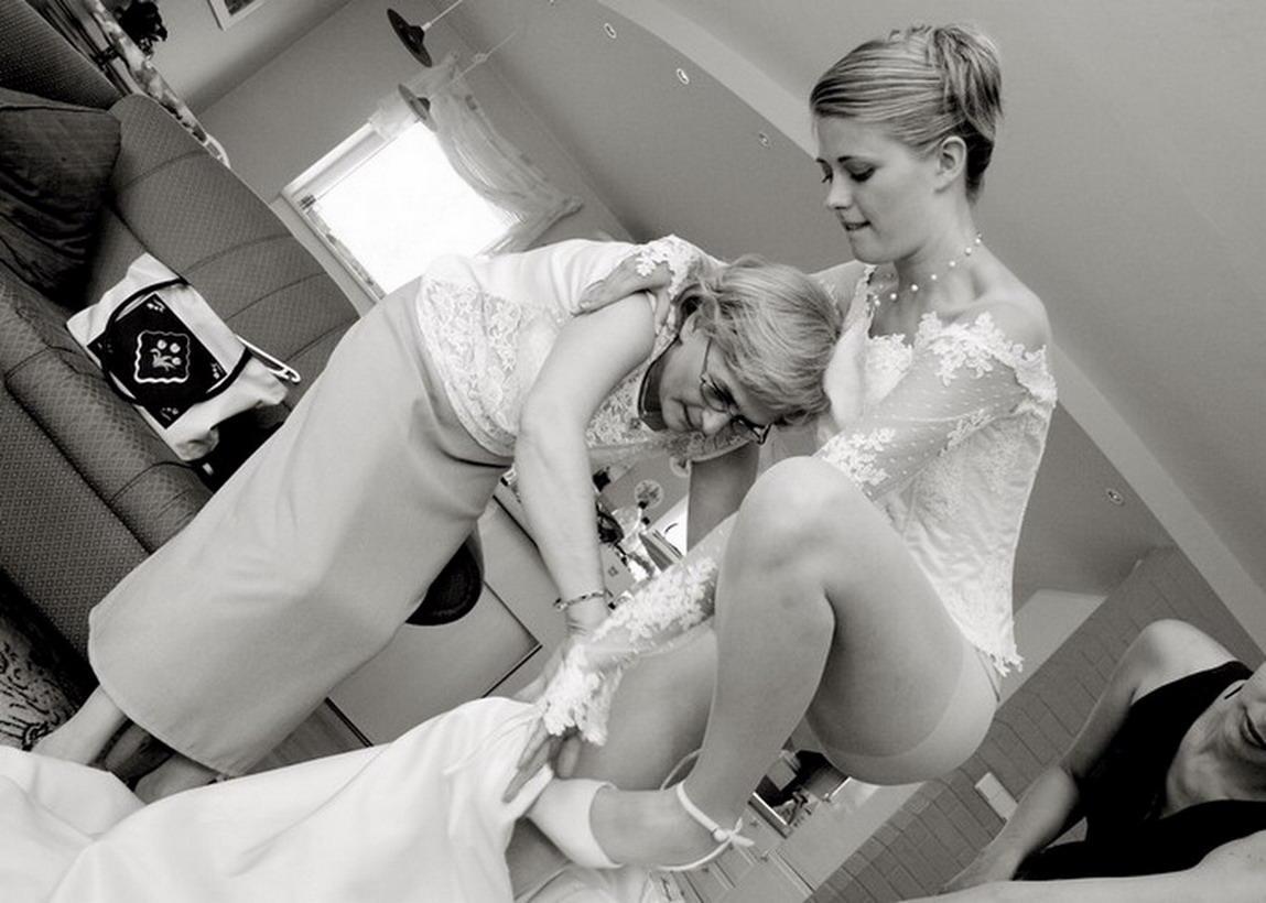 Пьяные и голые невесты 21 фотография