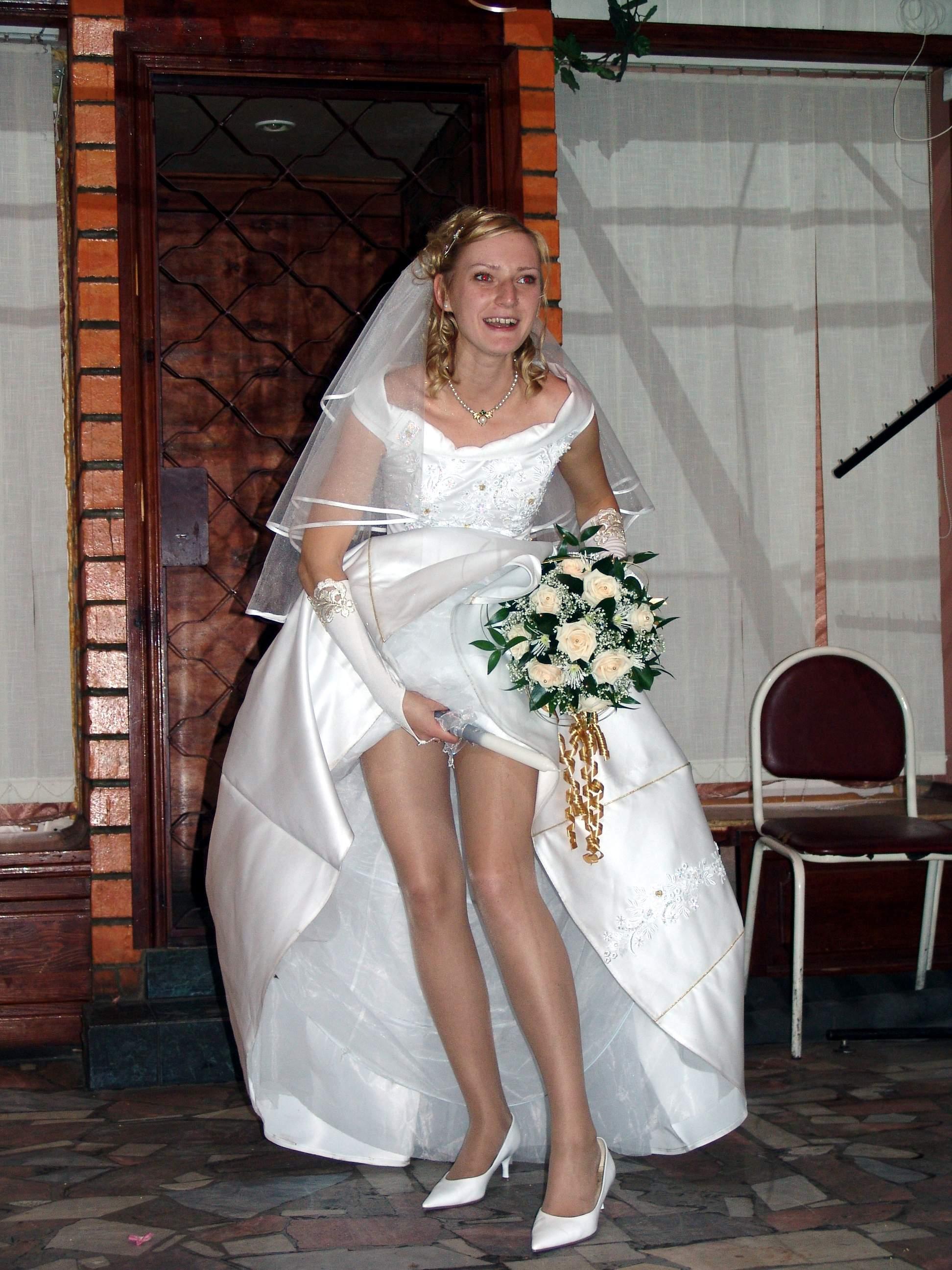 Фото под платьем невест 8 фотография