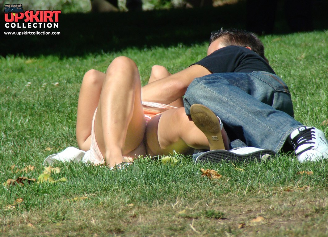 spy cams upskirt in public jpg 422x640