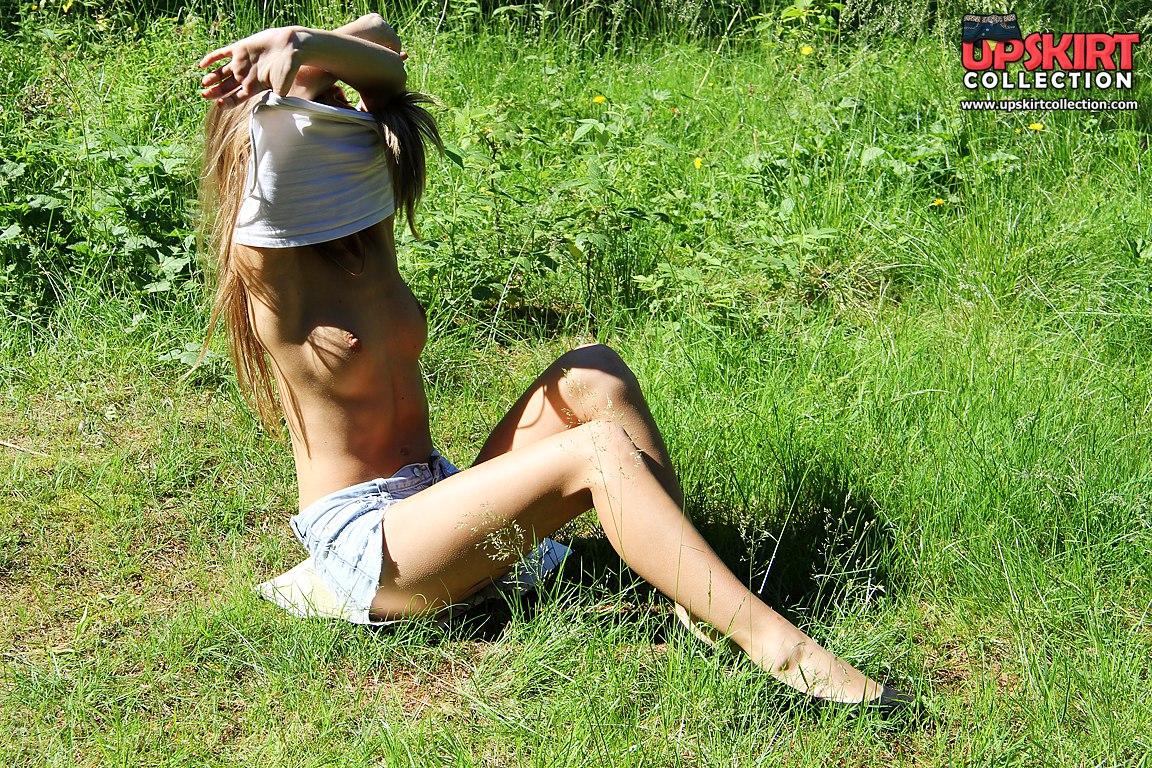 light skin ebony nude women