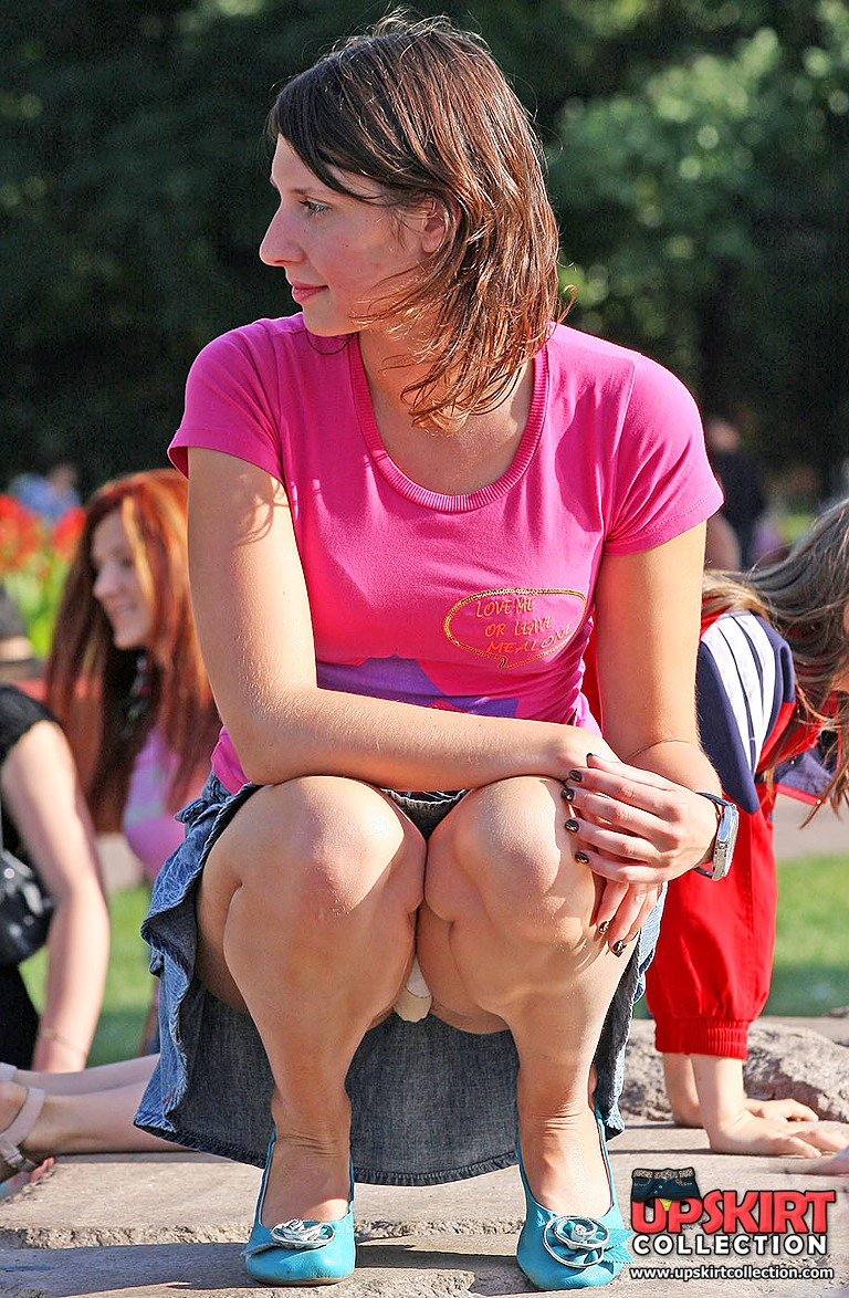 Сидячий апскирт без трусов онлайн 19 фотография