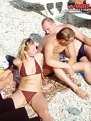 Bikini girls warmed up by the sun upskirt pantyhose